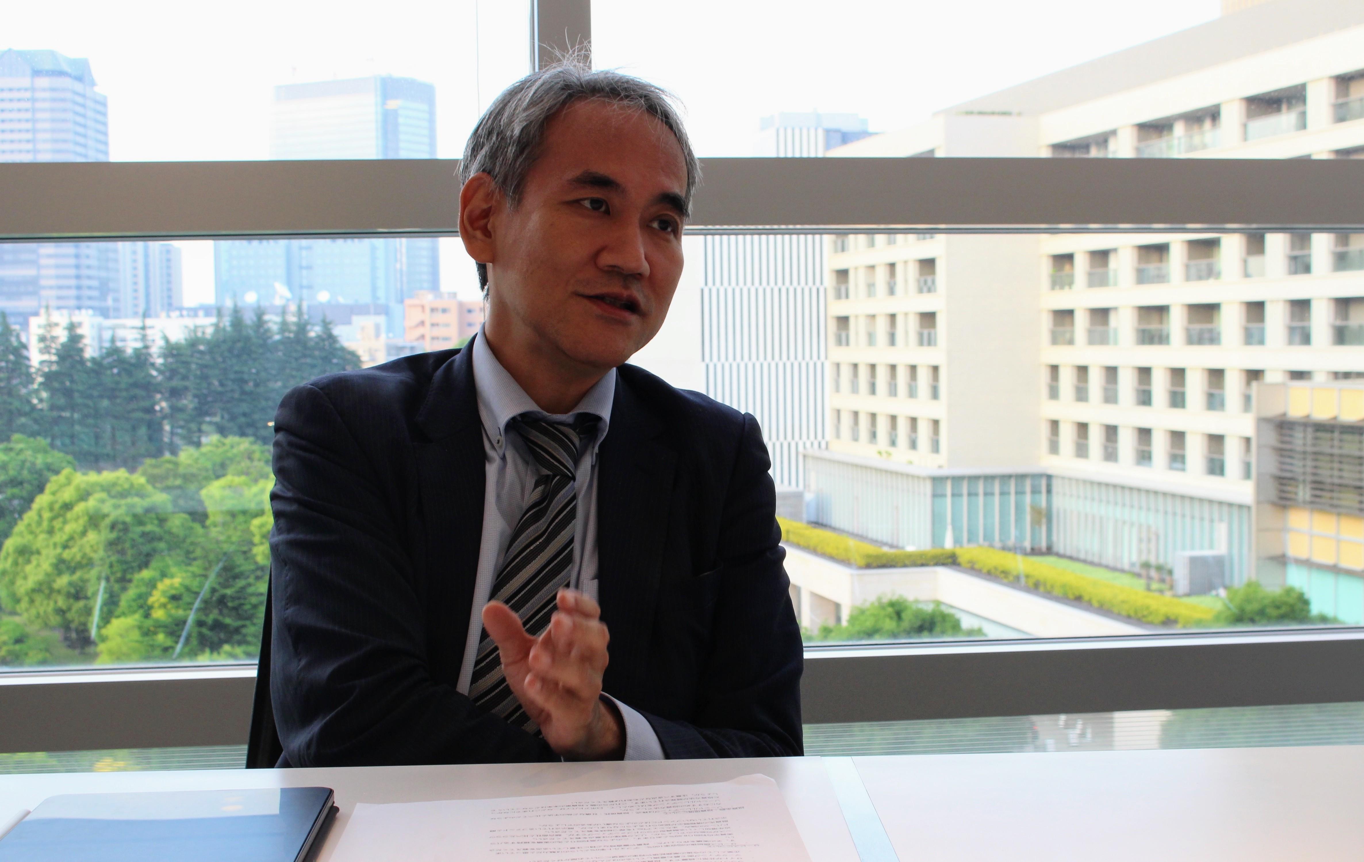 資産運用について話すクラウドバンク金田社長