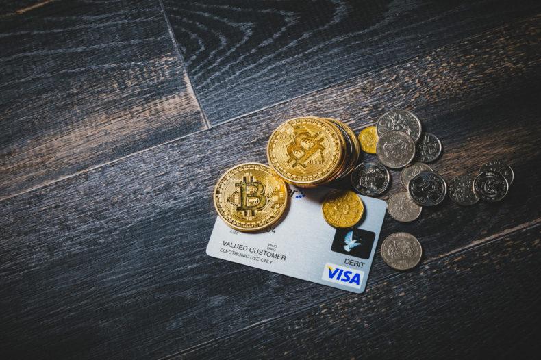 クレジットカードで入金できるか