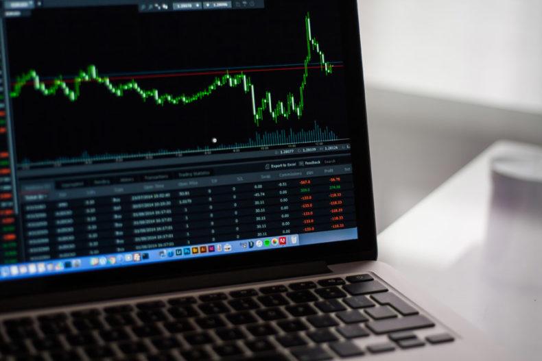 急落する株式投資のチャート